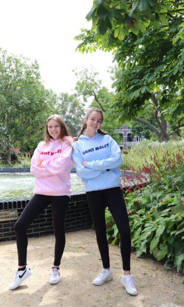 Mylene en joelle bij fontein 2 IMG_1220 zonder pluis
